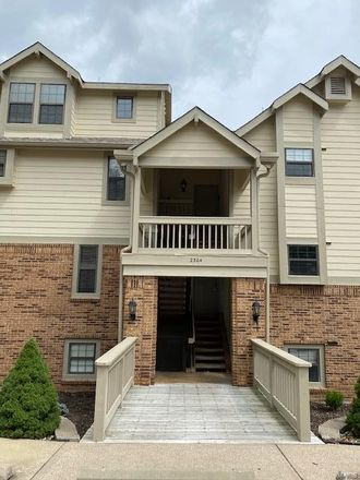 Rent this 1 bed condo on Yellowstone Park Ct in Maryland Heights, MO