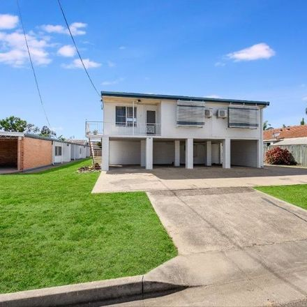 Rent this 2 bed house on 2/62 Hodel Street