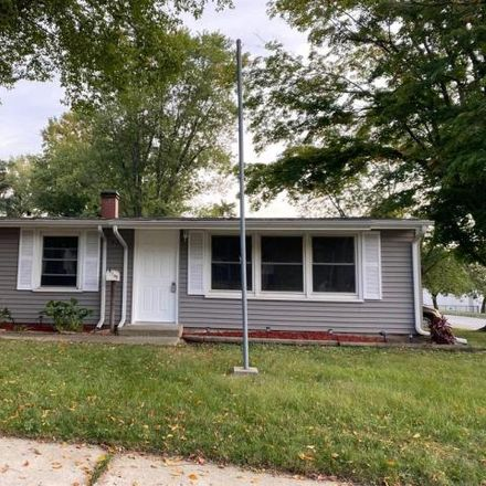 Rent this 3 bed house on 919 Grove Avenue in Valparaiso, IN 46385