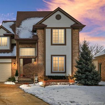 Rent this 3 bed house on 8870 Summers Court in Utica, MI 48317