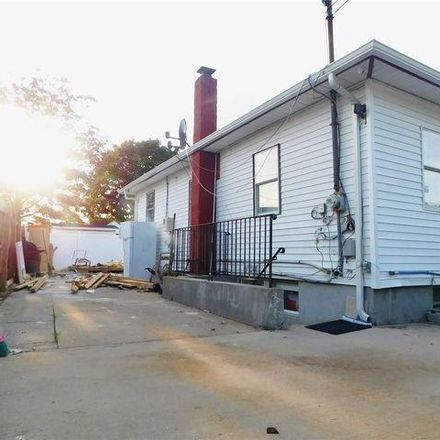 Rent this 4 bed house on 29 Arthur Street in Suffolk County, NY 11726