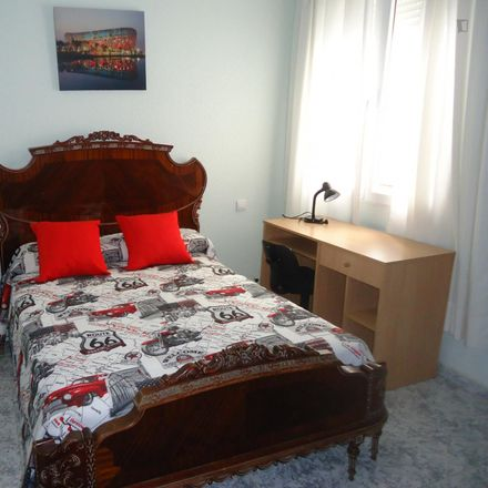 Rent this 4 bed room on Alcalde Sanz Noguer in 14005 Cordova, Spain