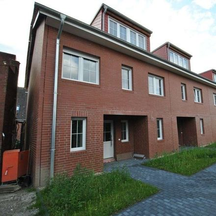 Rent this 5 bed townhouse on Neuenfelde in Hamburg, Germany