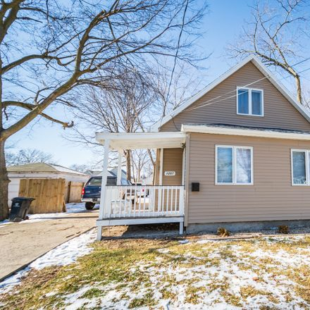 Rent this 3 bed house on 1207 South Wright Street in Bloomington, IL 61701