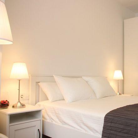 Rent this 5 bed room on Camí del Mig in 32, 08970 Sant Joan Despí