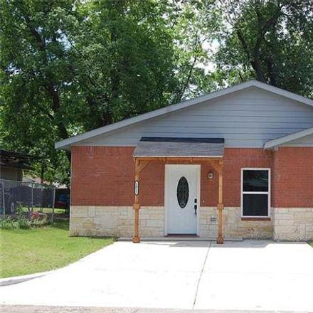 Rent this 3 bed house on 1012 East Oak Street in Denton, TX 76205