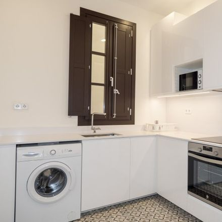 Rent this 3 bed apartment on Soho in Carrer de les Ramalleres, 08001 Barcelona