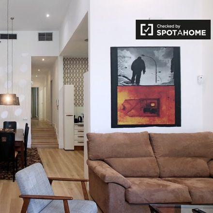 Rent this 2 bed apartment on Calle de Víctor de la Serna in 29, 28016 Madrid