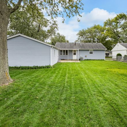 Rent this 3 bed house on 783 Farragut Avenue in Romeoville, IL 60446