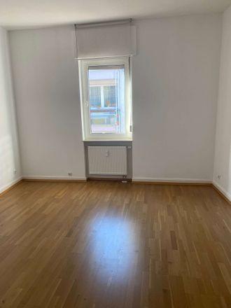 Rent this 3 bed apartment on Schwanheimer Straße 54 in 60528 Frankfurt, Germany