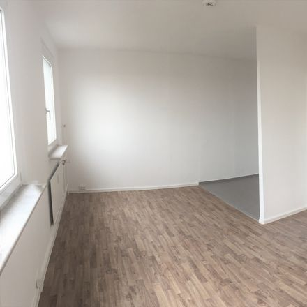 Rent this 3 bed apartment on Muldestraße 4 in 06122 Halle (Saale), Germany