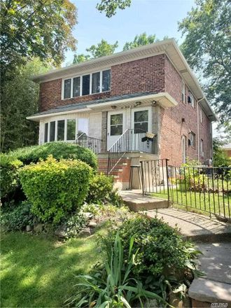 Rent this 3 bed house on 57th Rd in Oakland Gardens, NY