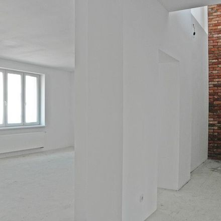 Rent this 6 bed apartment on Świętojańska 78a in 81-391 Gdynia, Poland