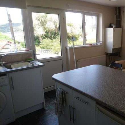 Rent this 3 bed room on Raleigh Place in Falmouth TR11 3QJ, United Kingdom