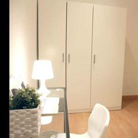 Rent this 1 bed room on Madrid in Barrio de la Latina, COMMUNITY OF MADRID