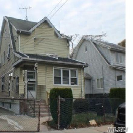 Rent this 3 bed house on 118th Ave in Saint Albans, NY
