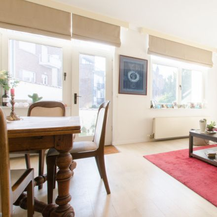 Rent this 1 bed apartment on Place du Quatre Août - Vier Augustusplein 6 in 1040 Etterbeek, Belgium
