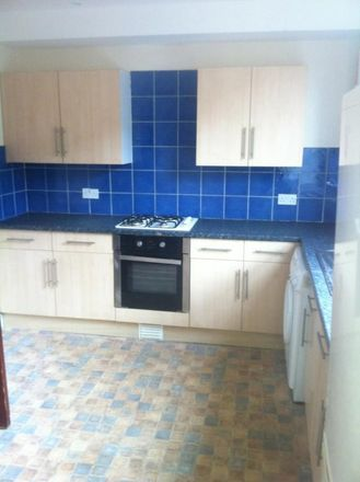 Rent this 5 bed house on Canterbury Drive in Leeds LS6 3EU, United Kingdom