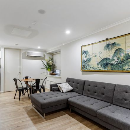 Rent this 1 bed apartment on 1/114 Clarence Street