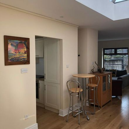 Rent this 2 bed apartment on Brasserie Sixty6 in 66-67 George's Street Great South, Royal Exchange B ED