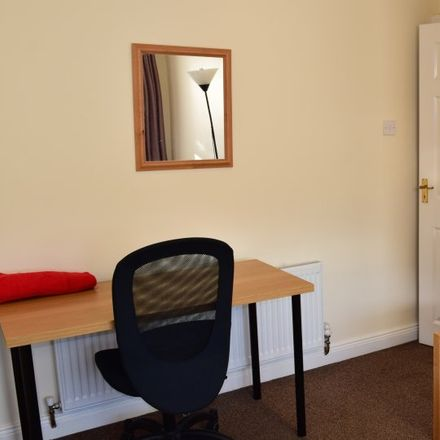 Rent this 3 bed apartment on The Roundabout in Ardlea Road, Beaumont C ED