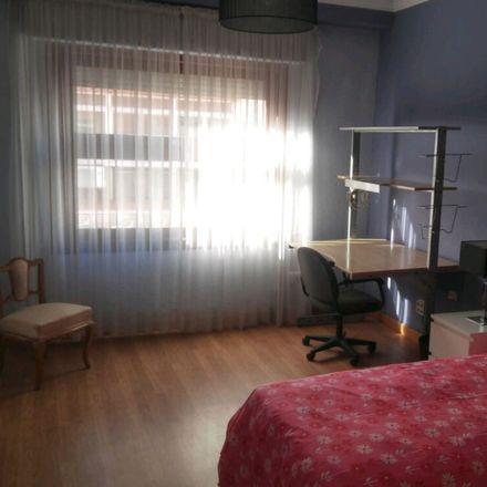 Rent this 5 bed room on Plaça de l'Hort dels Corders in 12001 Castelló de la Plana, Castelló