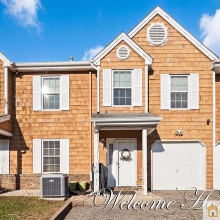 Rent this 3 bed apartment on 19 Delavan Ct in New Brunswick, NJ