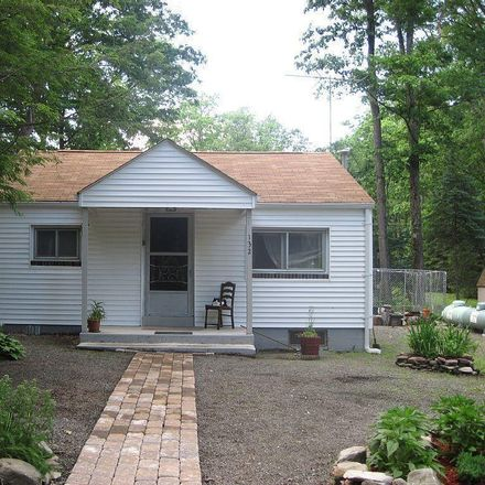 Rent this 2 bed house on Tauschman Rd in Greentown, PA