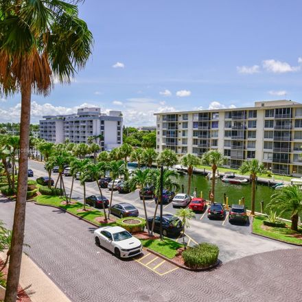 Rent this 2 bed condo on 1800 Northeast 114th Street in Courtly Manor, FL 33181