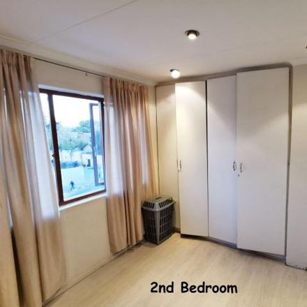Rent this 2 bed apartment on unnamed road in Victory Park, Johannesburg