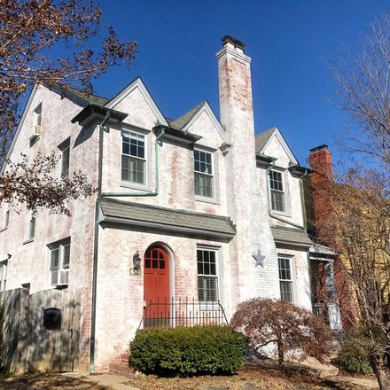 Rent this 4 bed house on 911 Marye Street in Fredericksburg, VA 22401