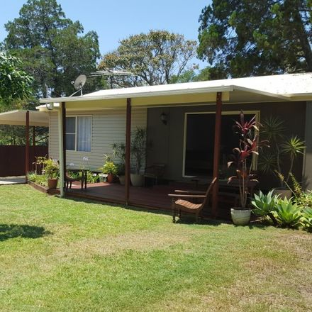 Rent this 3 bed house on 32 Satton Street