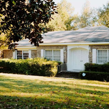 Rent this 3 bed house on Ailey-Lothair Rd in Mount Vernon, GA
