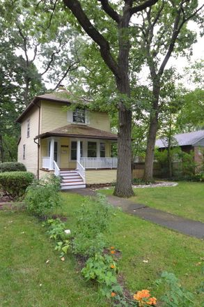 Rent this 3 bed house on 9825 South Wood Street in Chicago, IL 60643