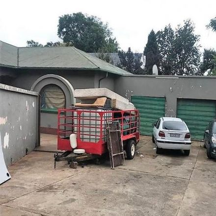 Rent this 9 bed house on Surbiton Avenue in Auckland Park, Johannesburg