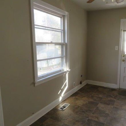 Rent this 2 bed house on 122 Clearview Drive in Clarksville, TN 37043