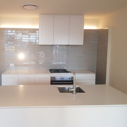 Rent this 2 bed apartment on 215/8 Bank Street