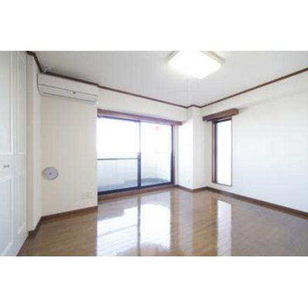 Rent this 1 bed apartment on 厳嶋神社 in Yochomachi-dori, Ichigaya-Daimachi