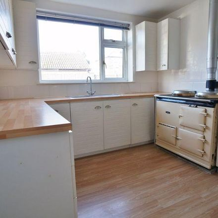 Rent this 2 bed house on Victoria Street in Wakefield WF7 7AL, United Kingdom