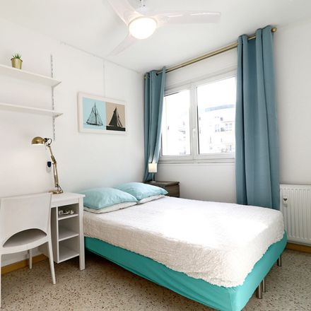 Rent this 4 bed room on 62 Rue Auguste Pegurier in 06200 Nice, France