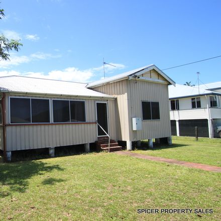 Rent this 4 bed house on 6 Curtis Street