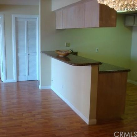 Rent this 2 bed condo on 327 Chestnut Avenue in Long Beach, CA 90802