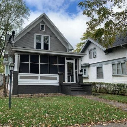 Rent this 3 bed house on 1476 Croswell Street in Kankakee, IL 60901