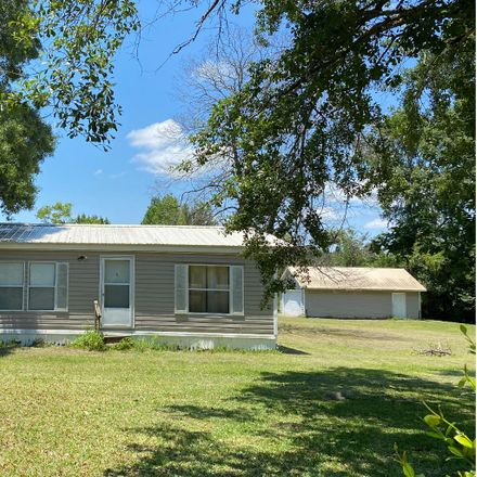 Rent this 3 bed house on SW Gallant Ln in Lake City, FL