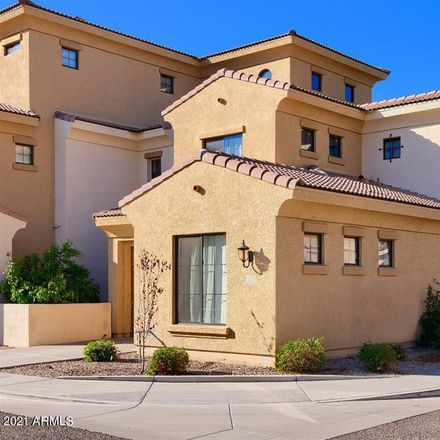 Rent this 3 bed townhouse on Southern Sunset Plaza in South Country Club Drive, Mesa