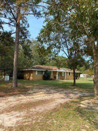 Rent this 3 bed house on 35 Moody Rd in Hazlehurst, GA