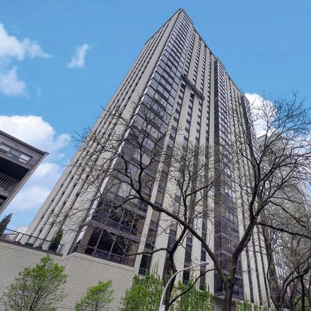 Rent this 3 bed condo on Bellevue Place in 100 East Bellevue Place, Chicago