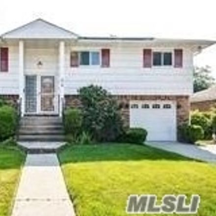 Rent this 6 bed house on 273 Arcadia Avenue in Uniondale, NY 11553