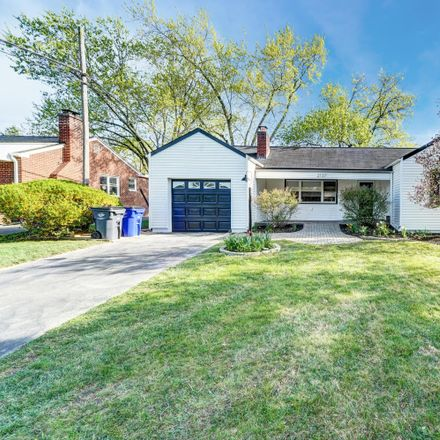 Rent this 3 bed house on 2137 Inchcliff Road in Upper Arlington, OH 43221
