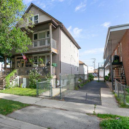 Rent this 6 bed duplex on W 61st Pl in Summit-Argo, IL